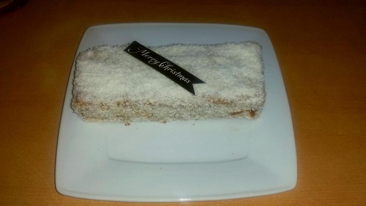 Le Mont Blanc : un gâteau antillais à la noix de coco, qui se transforme en bûche de Noëlvegan