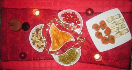 Idée apéritif vegan toasts de houmous poivron rouge et roulés de guacamole tomates cerises