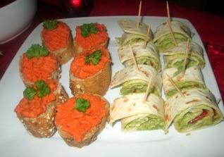 idée apéritif vegan toasts houmous poivron rouge roulés de guacamole tomates cerises